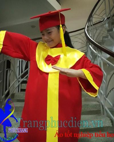Áo tốt nghiệp cấp 1