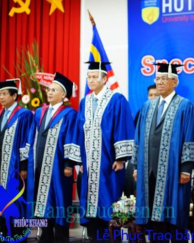 Lễ phục trao bằng